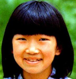 川村エミコが整形か画像比較|注目は「目」「フェイスライン」