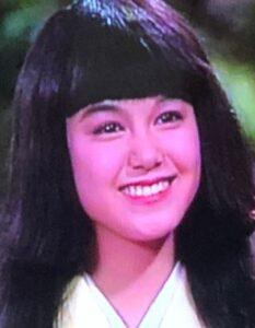 小田茜が整形か画像比較|注目は「目」「顎」